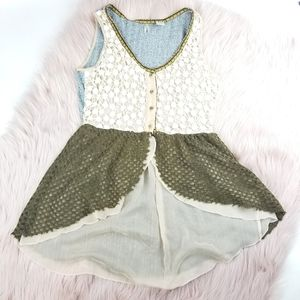 Buckle BKE Lacey County Chic Sleeveless Blouse Top